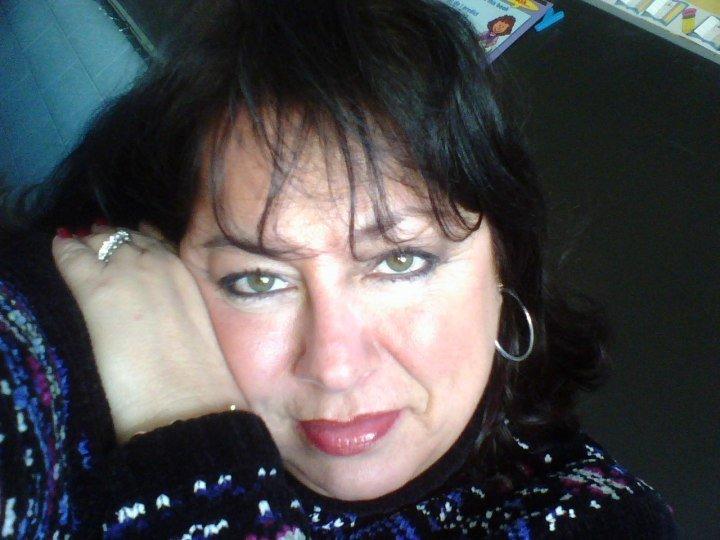 Sinnlich, elegant und niveauvoll. Diese sexy Oma ist 63 Jahre jung und sucht Männer aus Zürich und der Schweiz für erotische Treffen. Du solltest sinnlich und leidenschaftlich sein und ungebunden. Lust auf diese heisse Oma? Dann schreib ihr doch einfach mal
